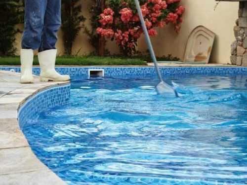 Iniciar un negocio de limpieza de piscinas