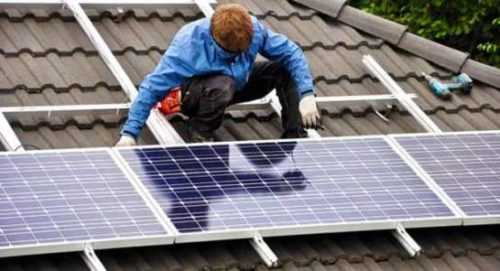 Inicio de un negocio de instalación de paneles solares