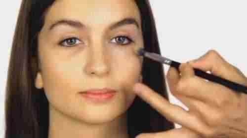 Inicio de una plantilla de plan de negocios de muestra de línea de maquillaje