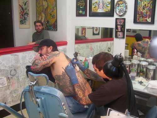 Inicio de una plantilla de plan de negocios de muestra de Tattoo Design Shop