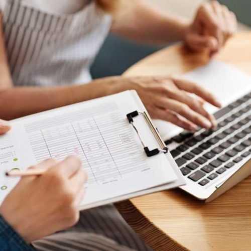 Una muestra de plantilla de plan de negocios de servicio de entrega de alimentos en línea